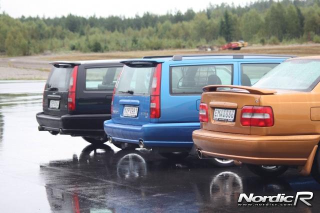 Foto från NordicR Superstage 2008. Volvo S70R och Volvo V70R.