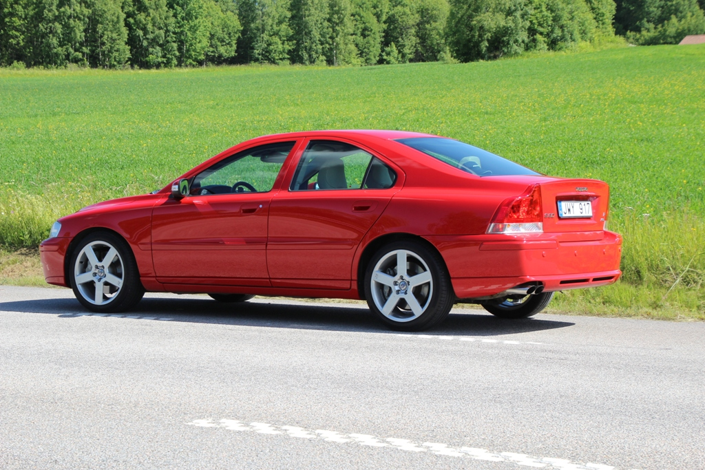 Volvo S60R AWD 2007 in Passion Red. Photo: NordicR