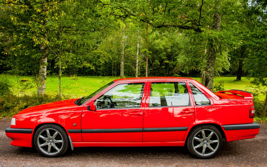 Foto på Volvo 850R i färgen T-röd