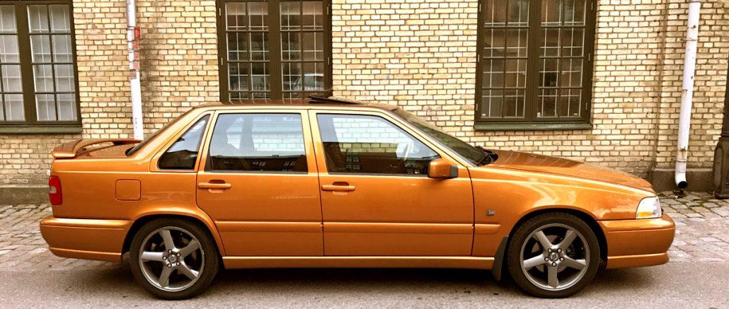 Björn Kroons Volvo S70R i färgen Saffran